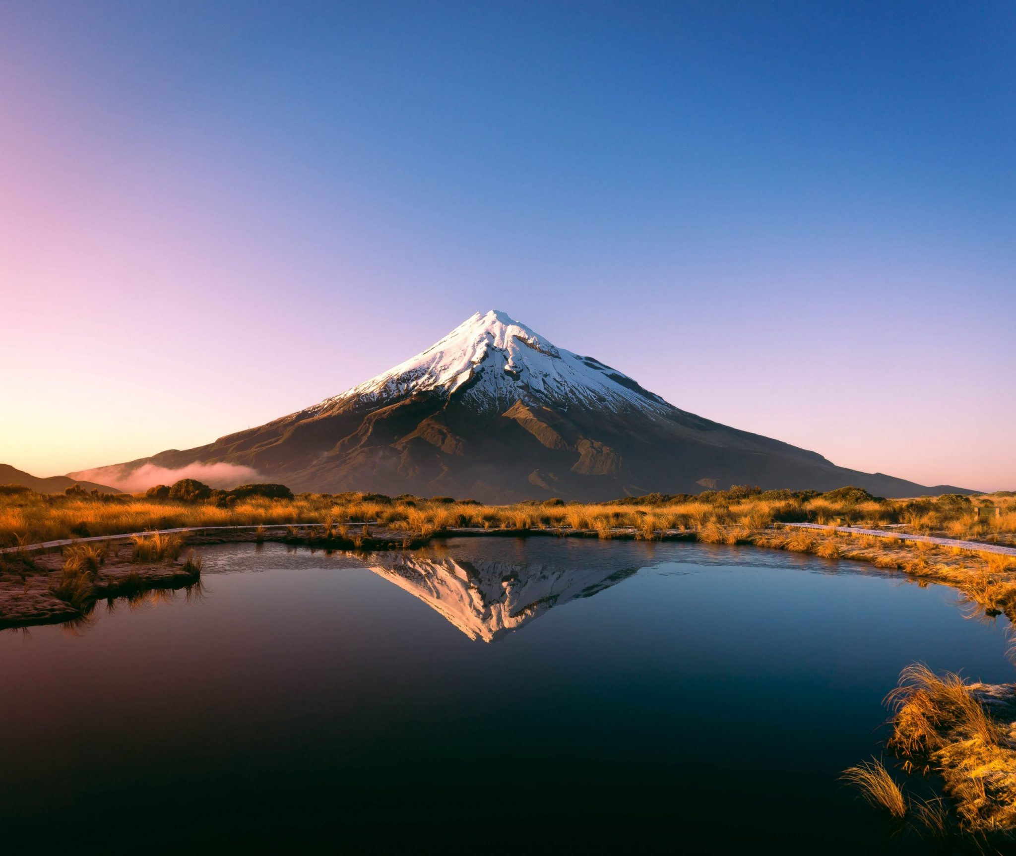 Mount Taranaki Mount Egmont, Taranaki, New Zealand-unsplash