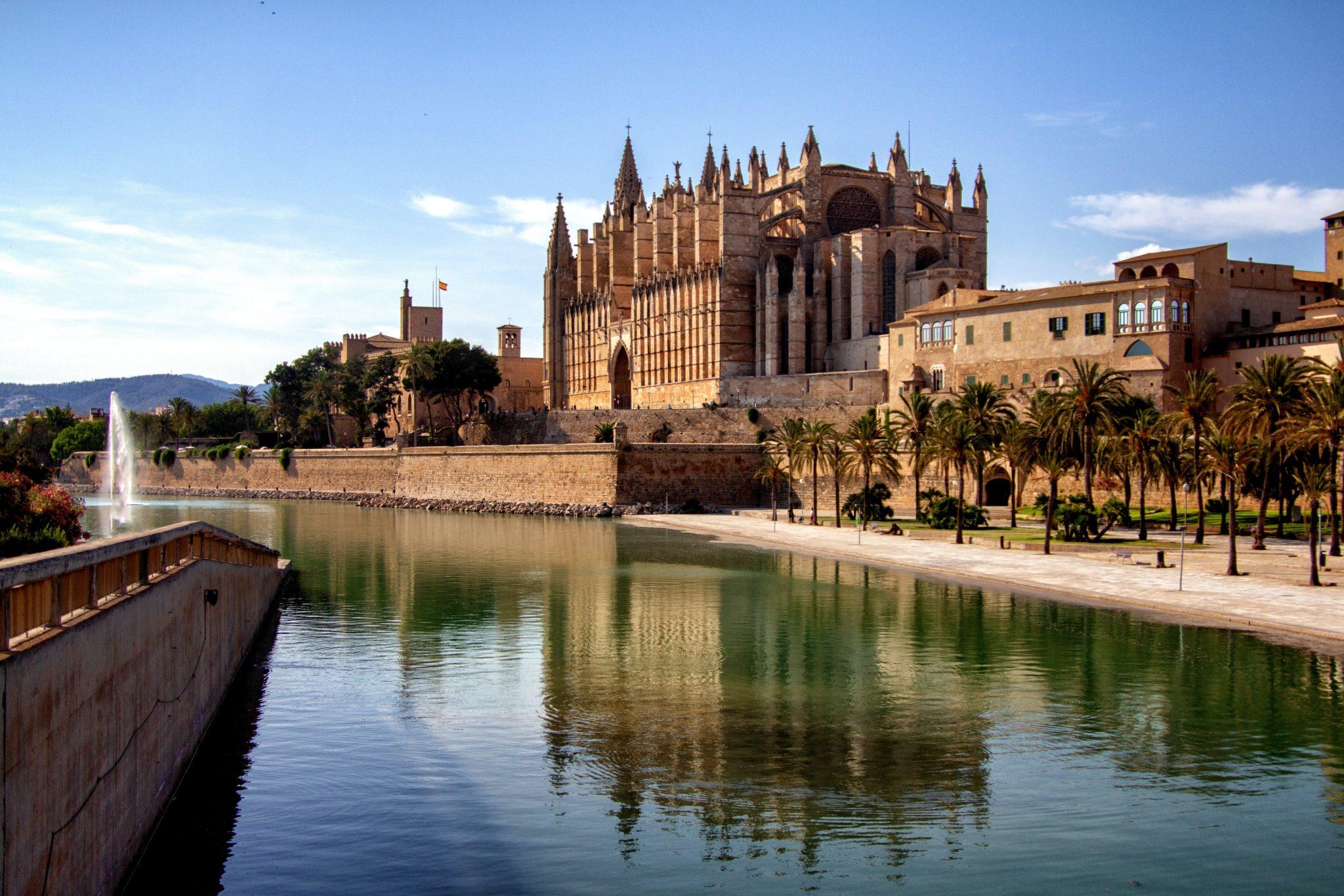 Palma Cathedral, Palma de Mallorca, Mallorca-unsplash